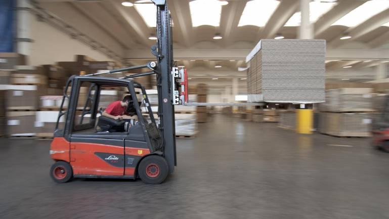 Logistica Zetacarton NewVisibility servizio fotografico